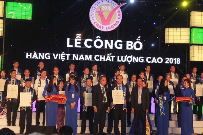 ANOVA RECEIVED CERTIFICATE HIGH QUALITY VIETNAMESE PRODUCTS 2018