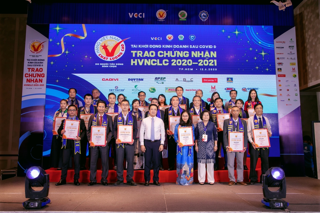 ANOVA RECEIVED CERTIFICATE HIGH QUALITY VIETNAMESE PRODUCTS 2020